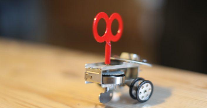 mekanisk med nøgle