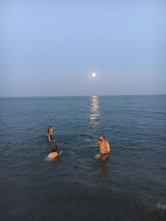 Evening dipping under the full moon, this is so amazing, so romantic, so joyfull
